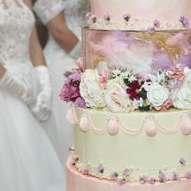 Bespoke cake makers for London & the Queen Charlotte's Ball!
